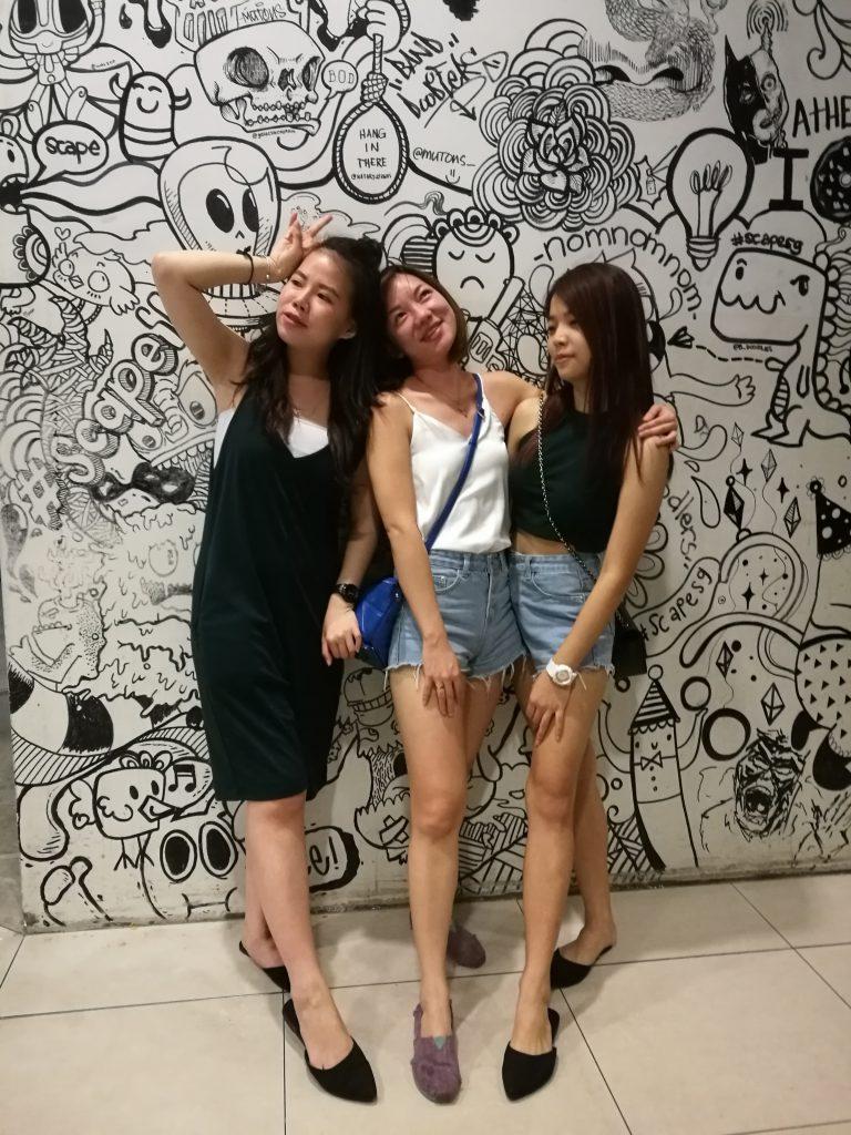 3 Crazy Girls