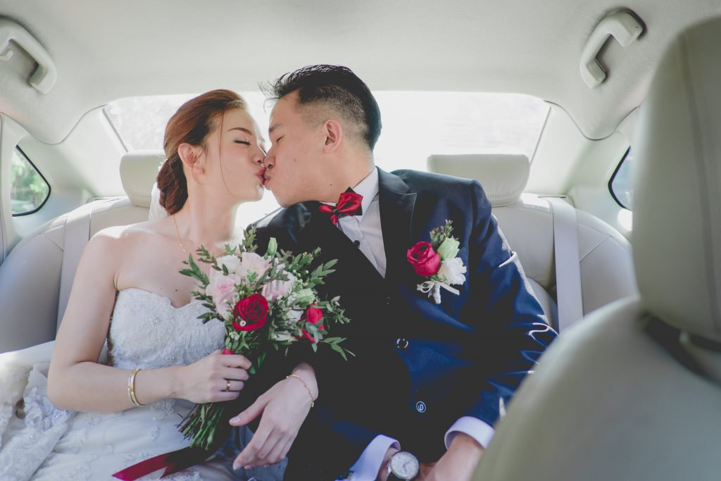 Kiss in the car